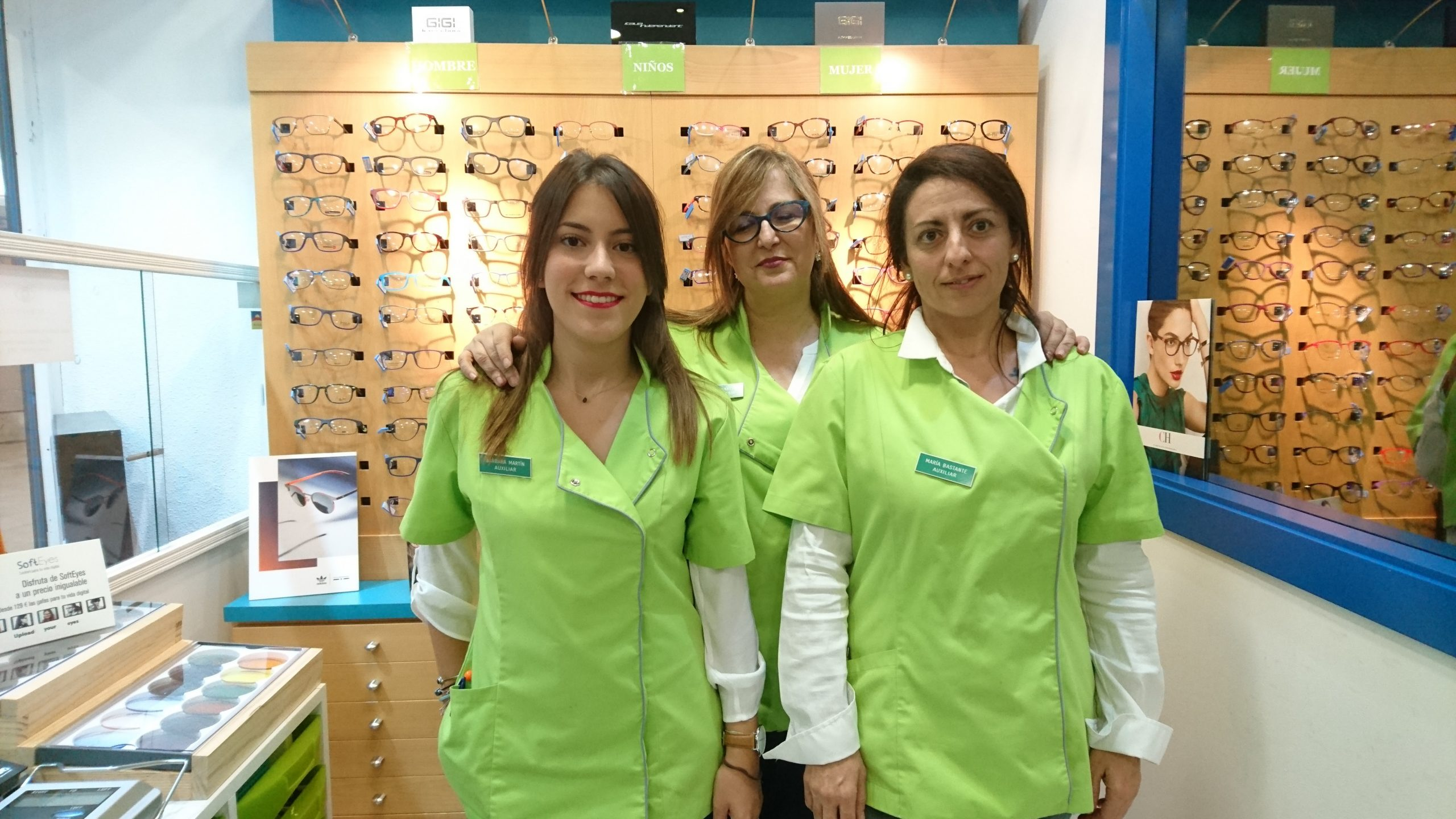 Entrevista y reportaje a Opticlass Centro Óptico: 26 años atendiendo la salud visual en toda España