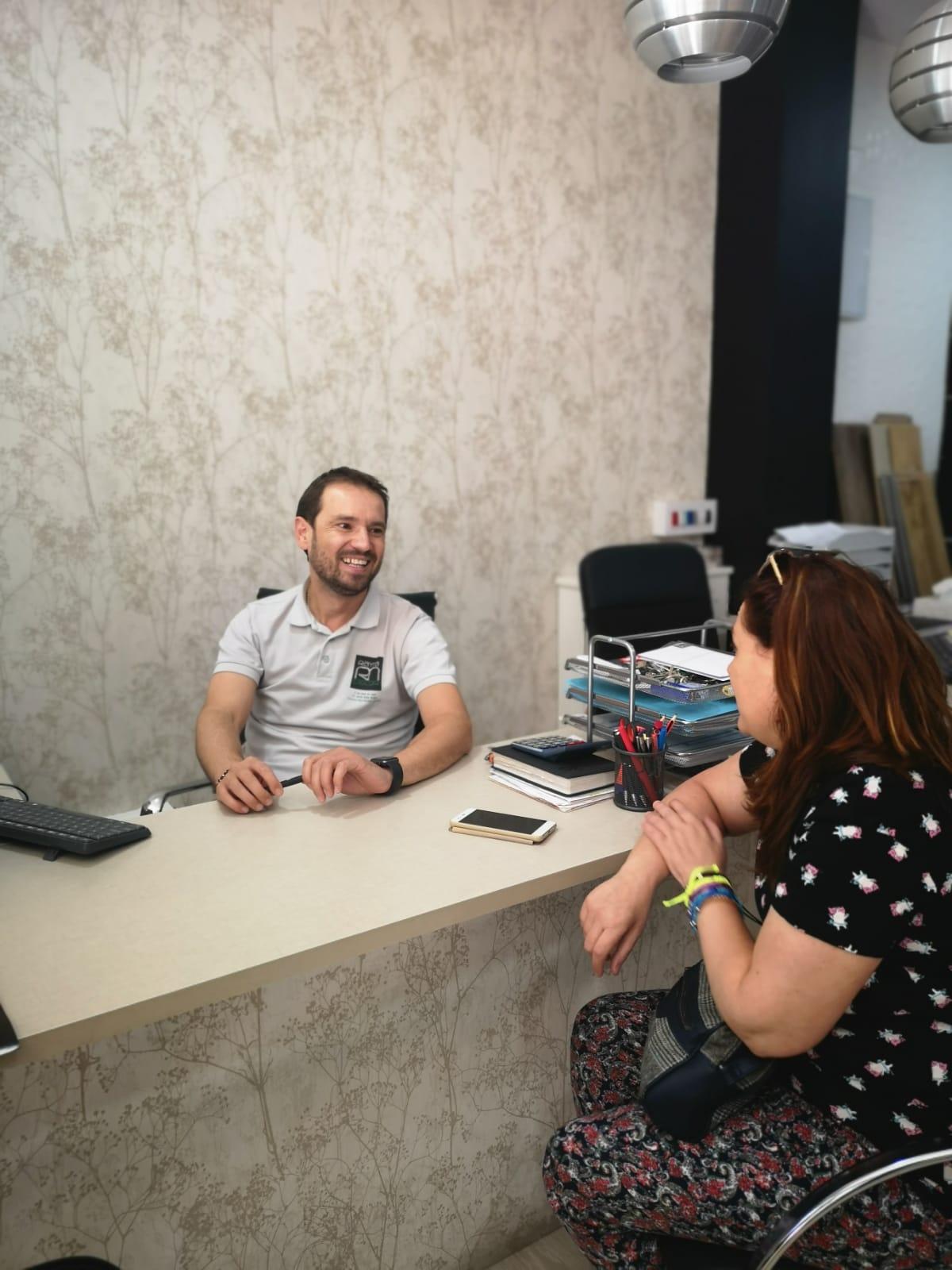 Entrevista y reportaje a la empresa de obras y reformas Raynadecor