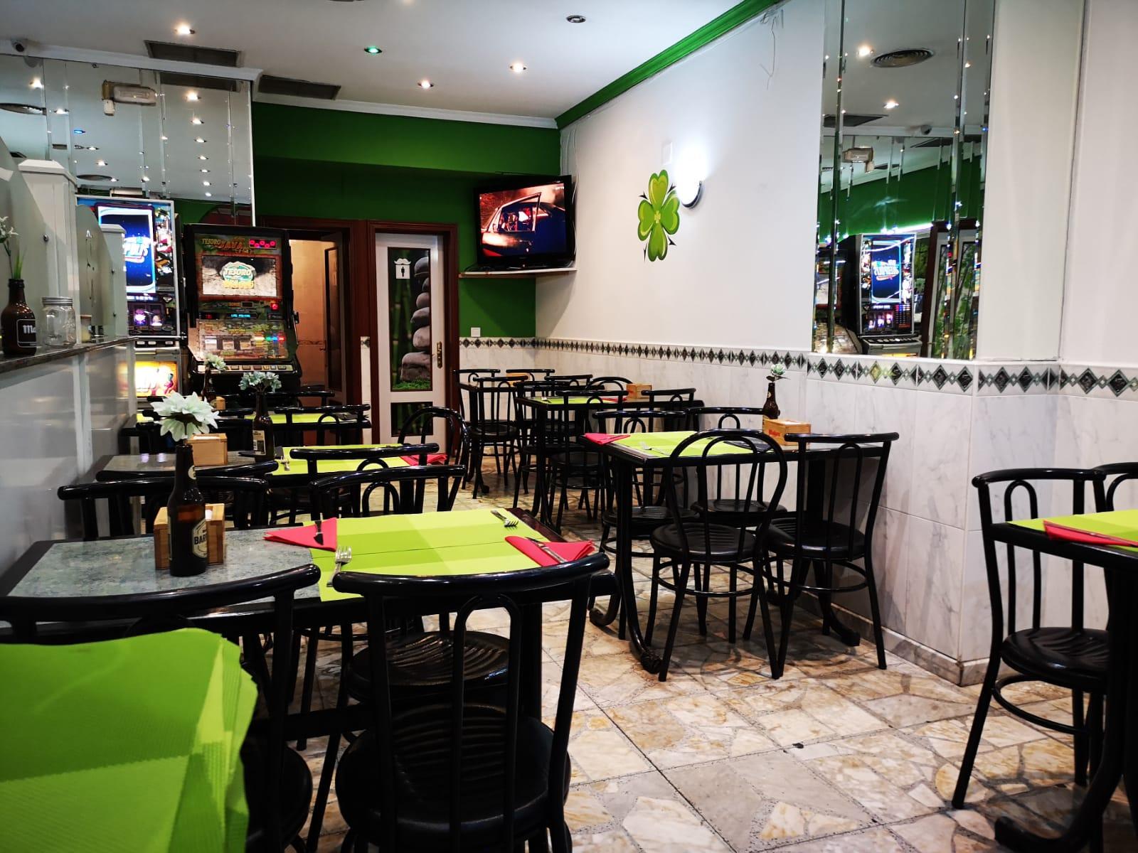 Entrevista y reportaje a El nuevo Trébol, local en el que disfrutar de lo mejor de la gastronomia tradicional en Móstoles