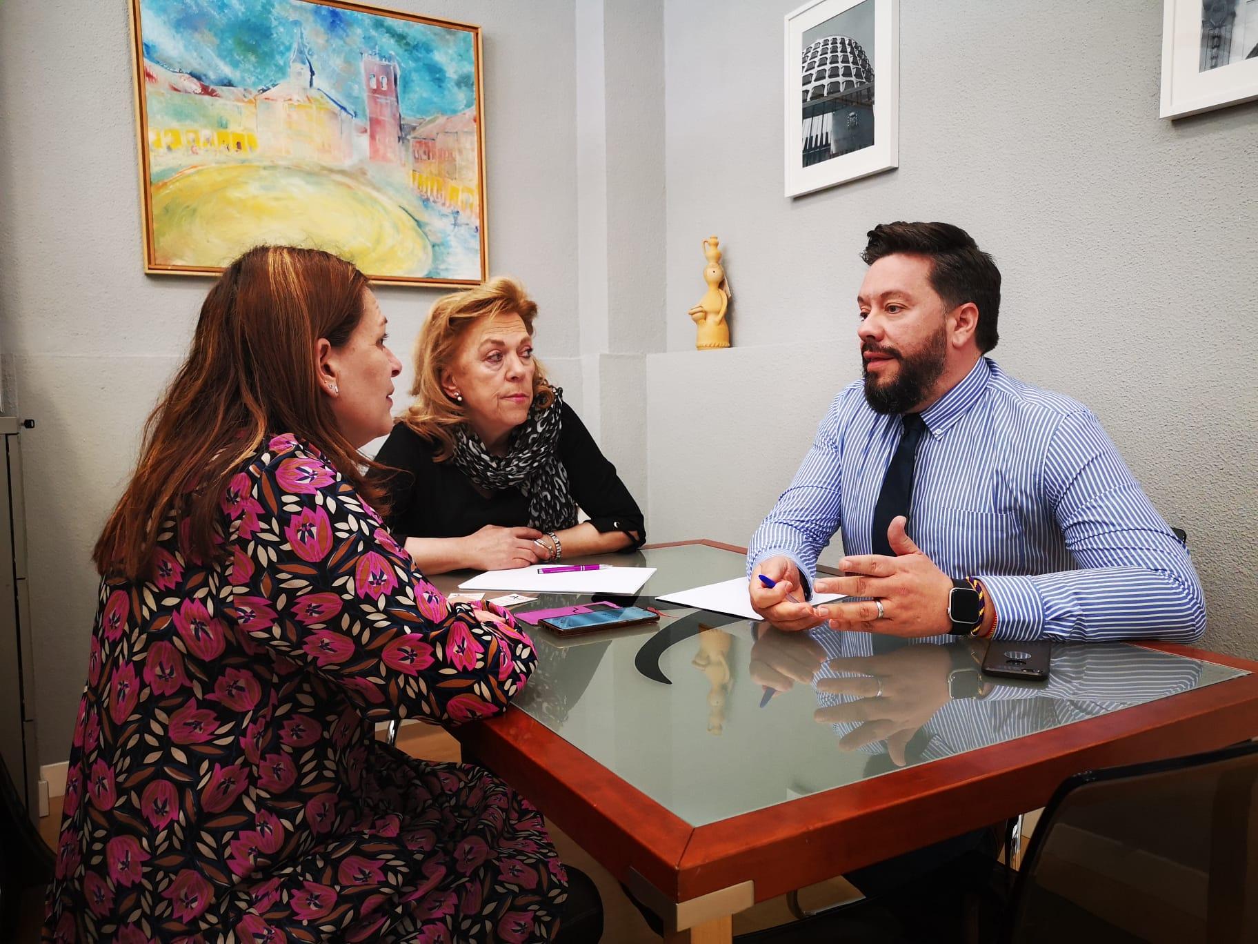 Entrevista y Reportaje de actualidad a Hachi Abogados