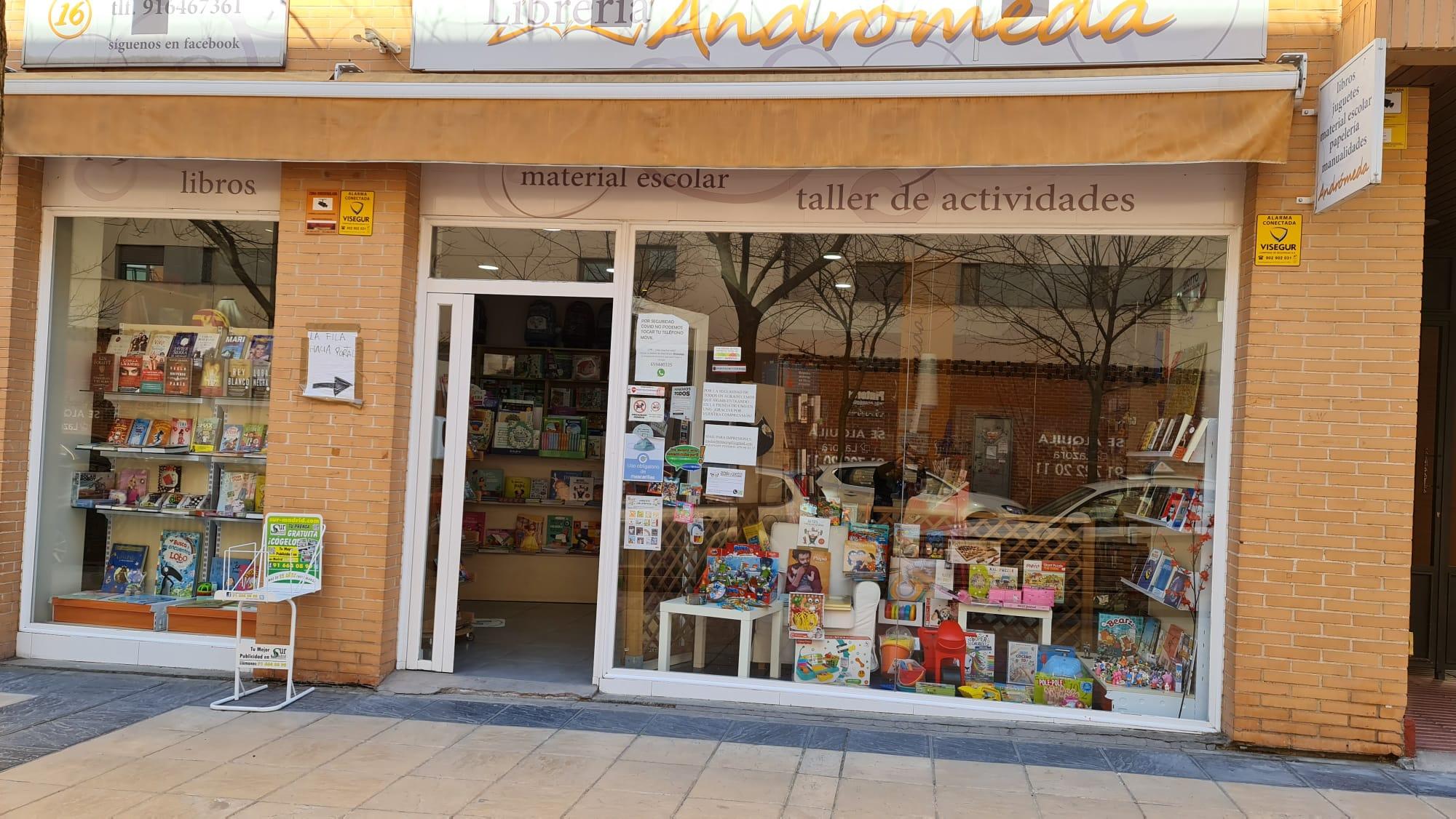 Reportaje y entrevista a Librería Andrómeda